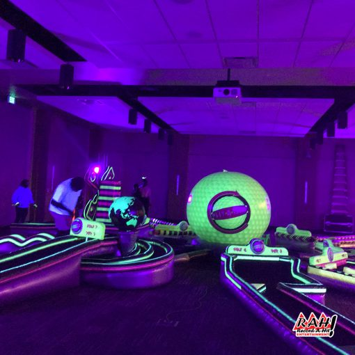 mini-golf-glow-recordahit-01